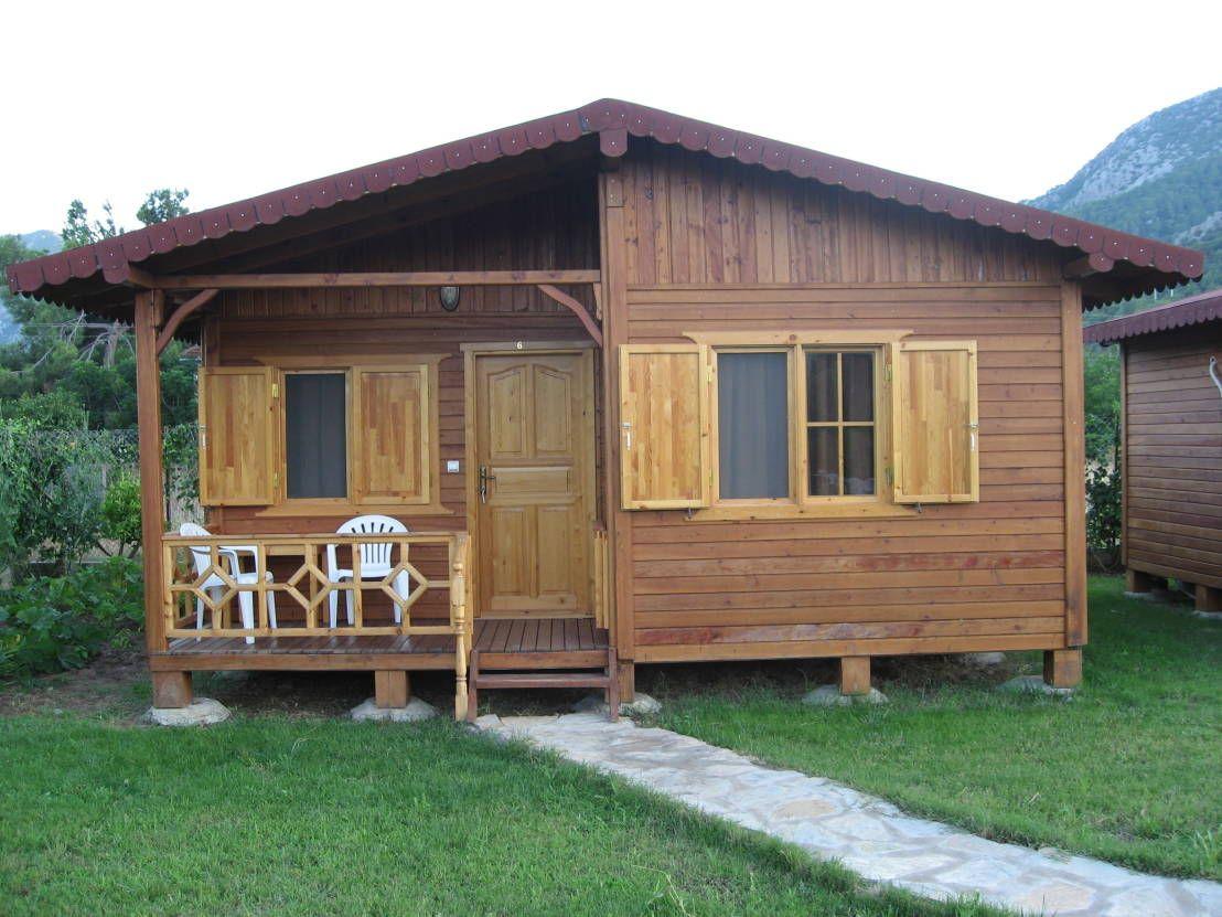 Hoy Vamos A Visitar 6 Cabanas Turcas Que Son Muy Faciles De Replicar Pero No Por Ello Son Menos Bungalow De Madera Planos De Casas Sencillas Cabanas De Madera