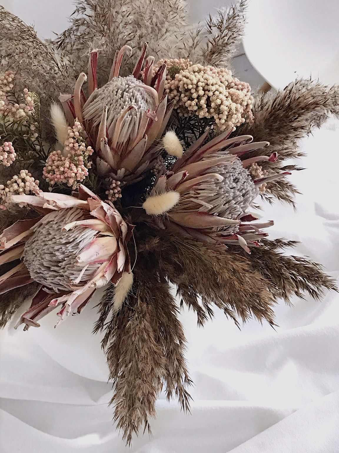 Beautiful Preserved Flowers How To Preserve Flowers Dried Flower Arrangements Dried Flowers