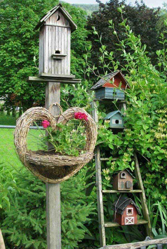 Upcycling Ideen Einrichtungbeispiele Diy Ideen Holzleiter Indirekte  Beleuchtung Wandregal Vogelhaus Vögel Im Garten, Garten Deco