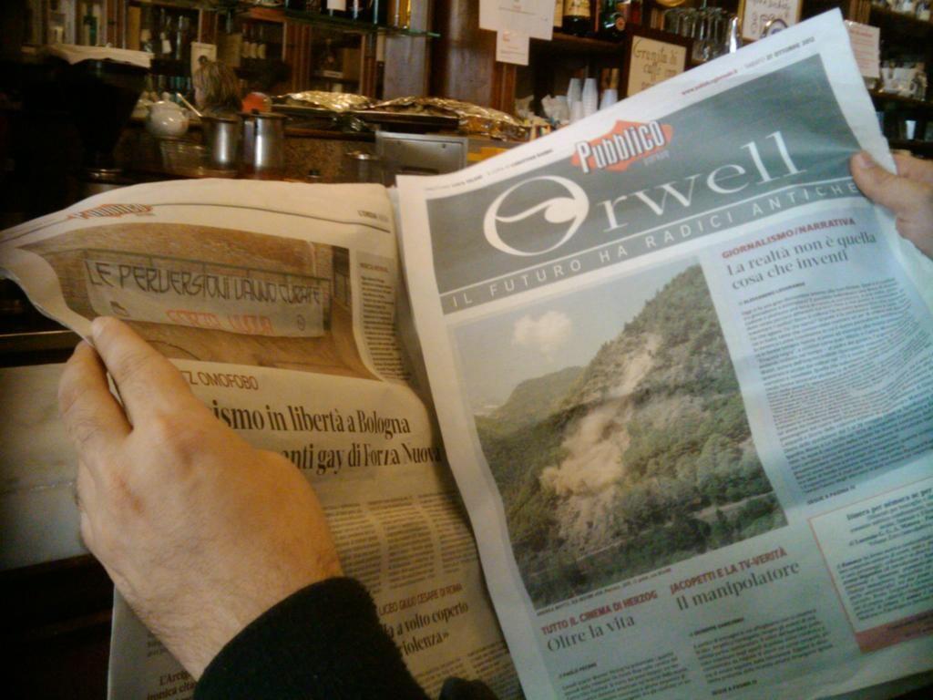 @lorenzocassata: La colazione con @orwellp si fa da Sandri con intorno l'#eurochocolate