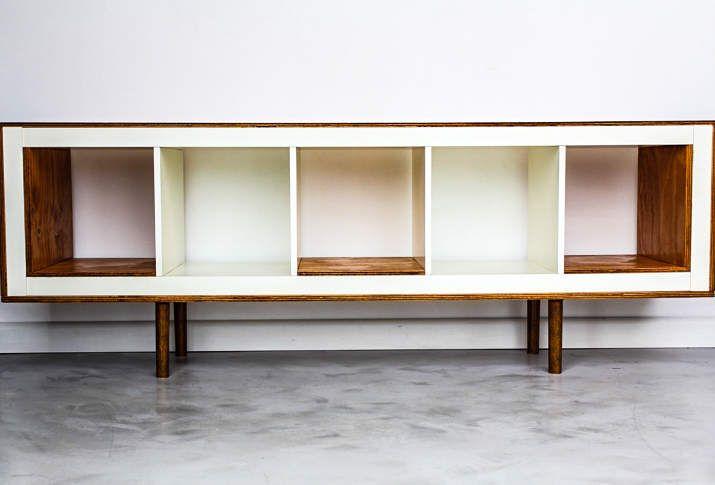 17 genius ikea hacks that will change your apartment for Hangedekoration wohnzimmer