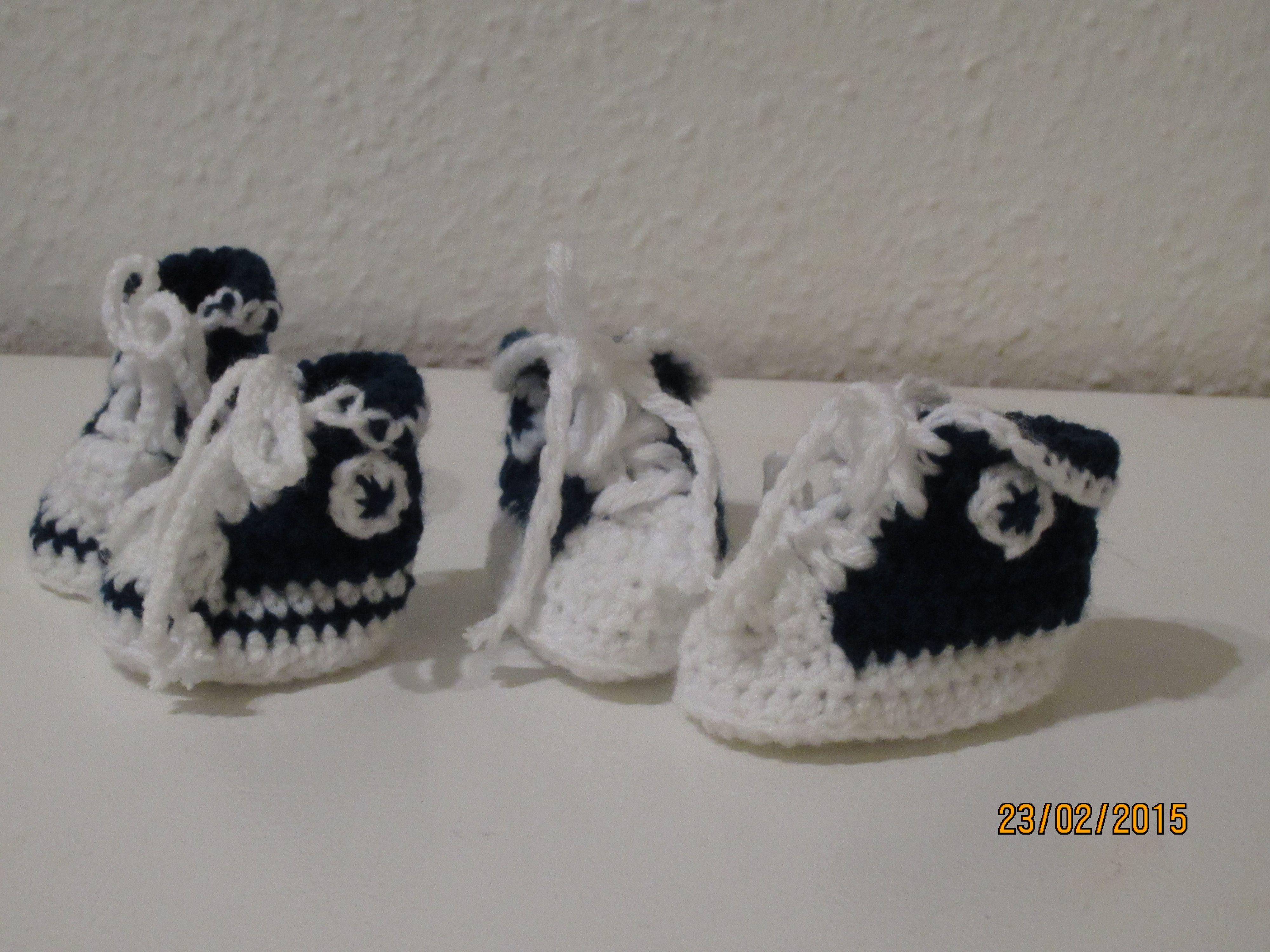 Små baby basket støvler. opskriften er fra: www.jarbo.se