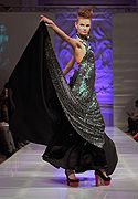 #Lourdes Atencio #紐約 #禮服 #伸展台 #model #時尚