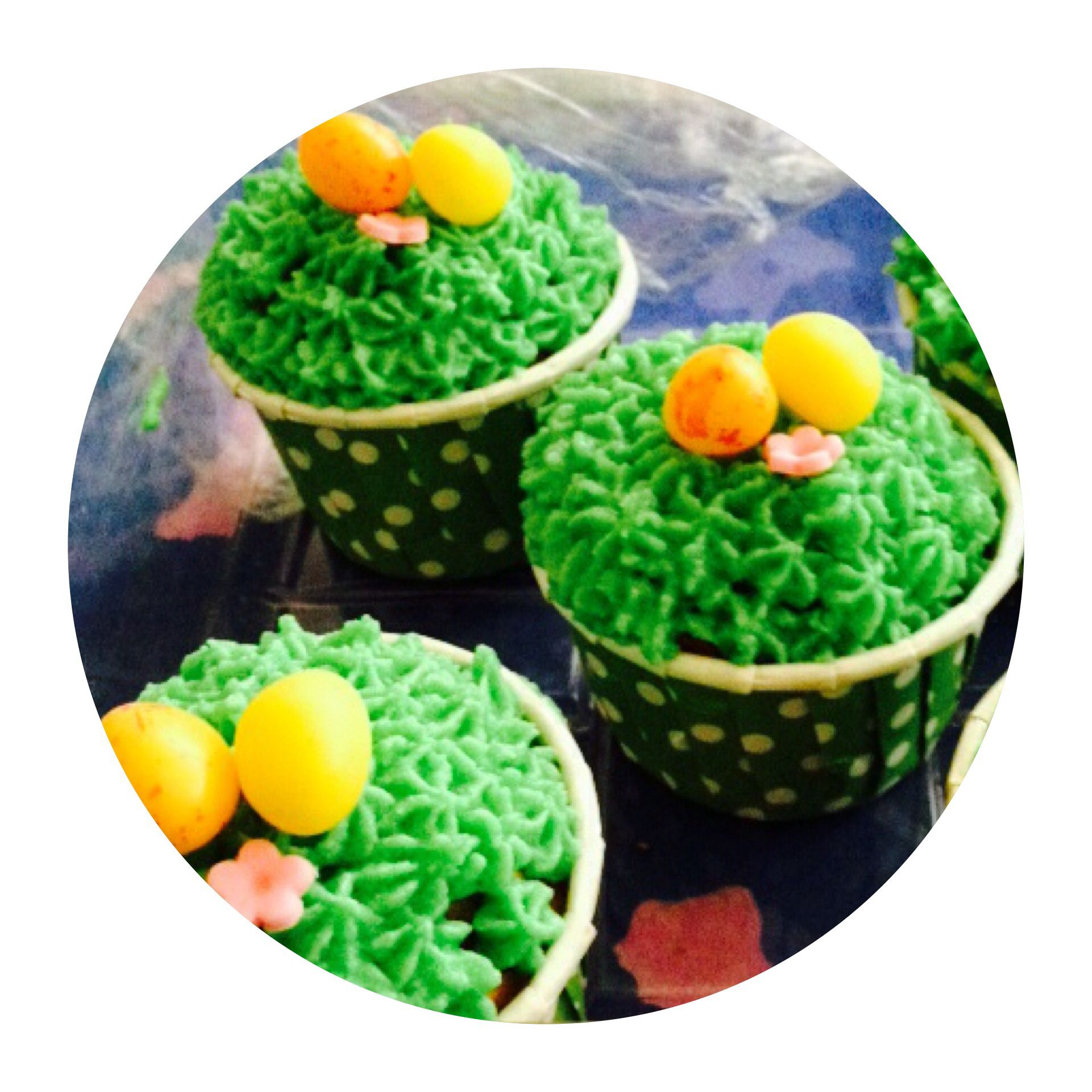Second round of my Easter cupcakes ! Used a star tip instead as the grass tip was frustrating me!