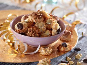 Kransekage som konfekt kan serveres til jul, nytår og andre festlige lejligheder #kransekageopskrift Kransekage som konfekt kan serveres til jul, nytår og andre festlige lejligheder #konfektjul