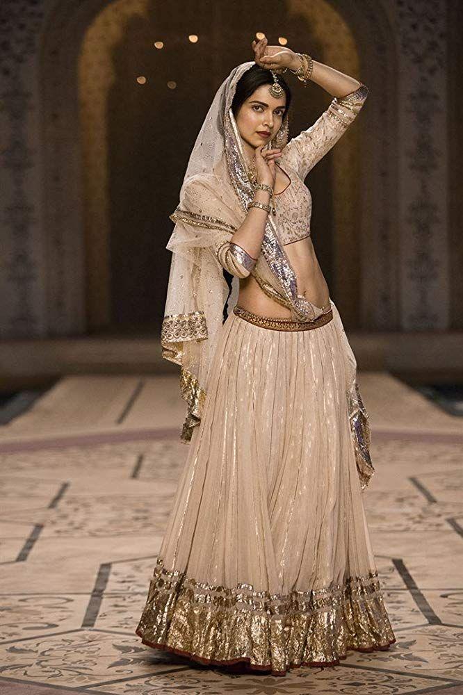 Deepika Padukone in Bajirao Mastani (2015) in 2019 ...