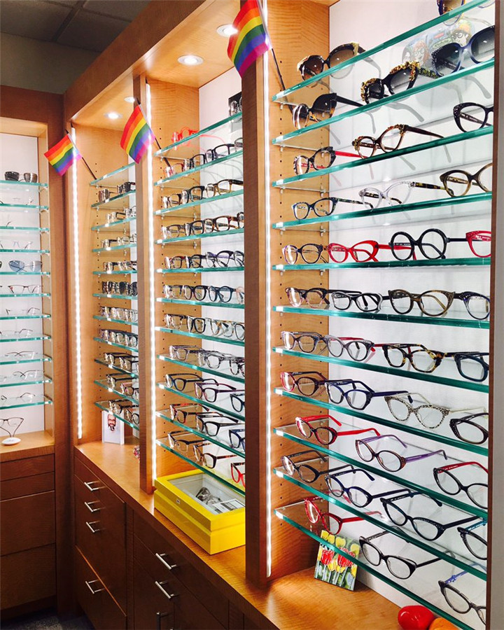 Glass Wall Wood Sunglass Display With Storage