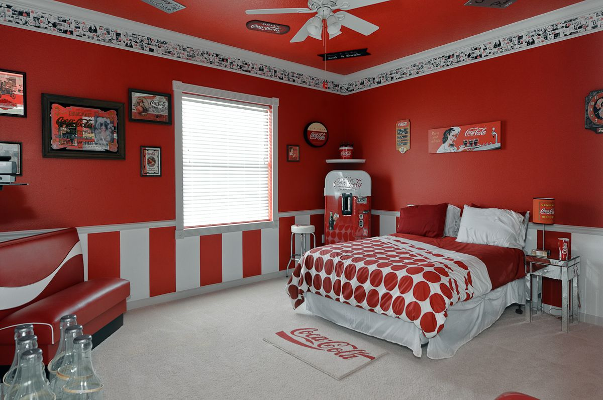 My future bedroom....Coca-cola themed bedroom at The Sweet Escape ...