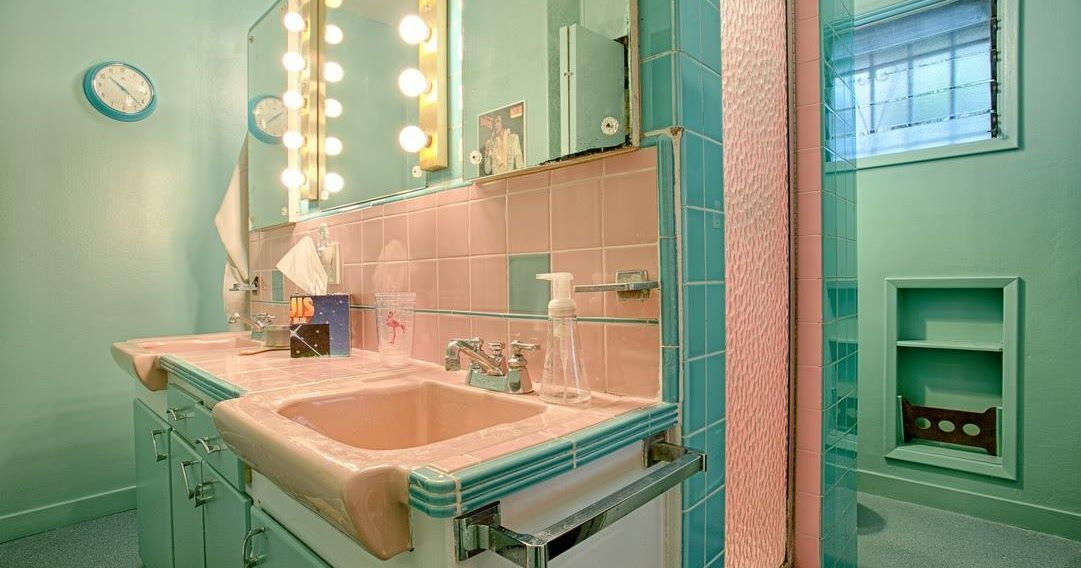 Again I Ve Let Far Too Much Time Pass Since My Last Post It S Hard To Believe I Found Time T Mid Century Bathroom Mid Century Modern Bathroom Retro Bathrooms My bathroom over last years
