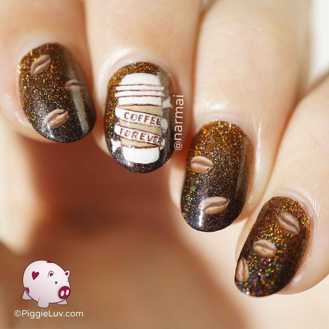 Drawings on the nails for the New Year 2019: photo design 22