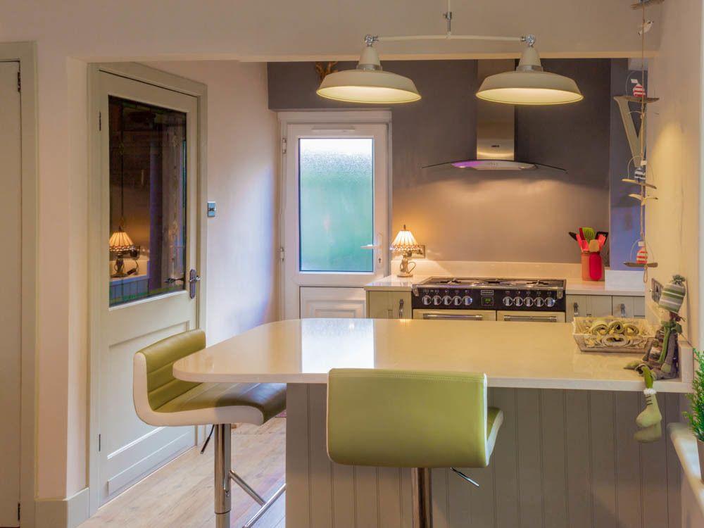 Connoisseur Milbourne Sage & Daria Silestone Worktops