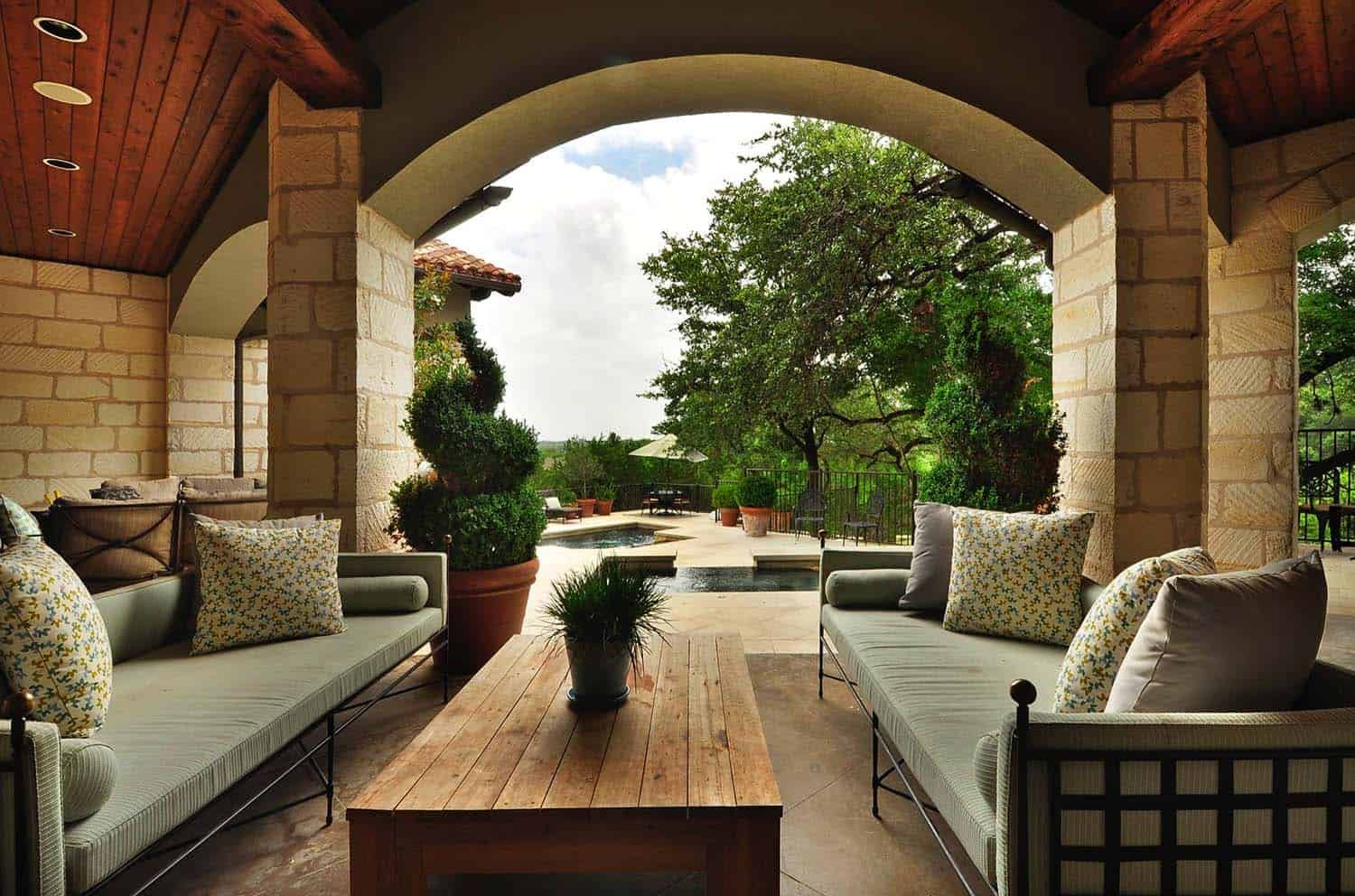 Refreshing Mediterranean style home in Texas with luminous