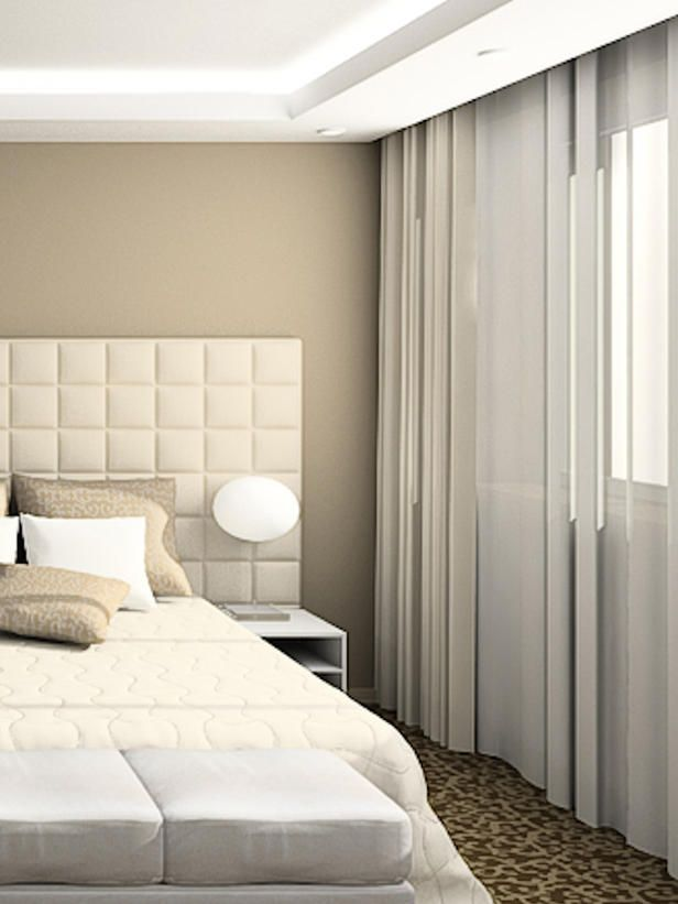 Mix It Up Designer Kati Curtis Favors A Combination Of Simple Sheer And Opaque Draperies In Her Manhattan Bedroom Designs The Fabric Stays Open