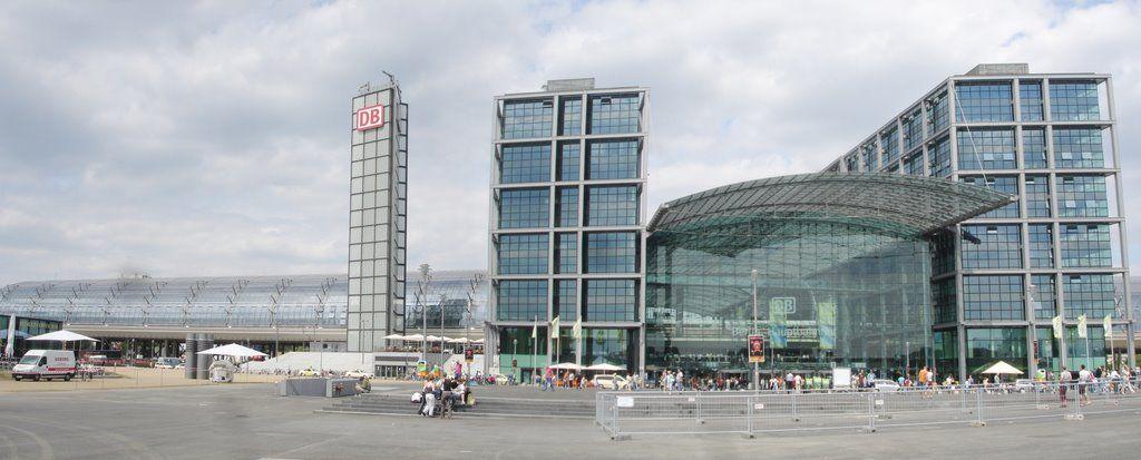 Deutsche Bahn berlin hbf Ferry building san francisco