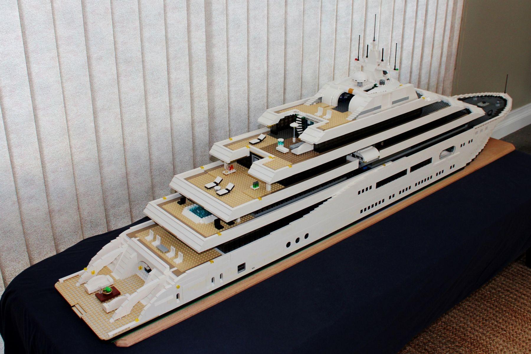 Lego Mega Yacht Keith Orlando With Images Lego Ship Lego