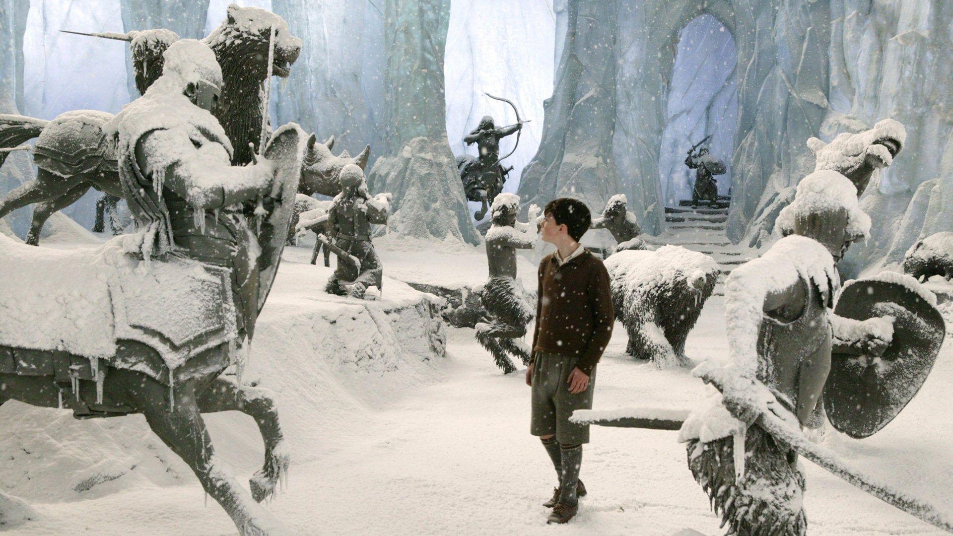 Le Monde De Narnia Chapitre 1 Conte La Lutte Entre Le Bien Et Le Mal Qui Oppose Le Magnifique Lion Aslan Aux Forces Chronicles Of Narnia Narnia Movie Scenes