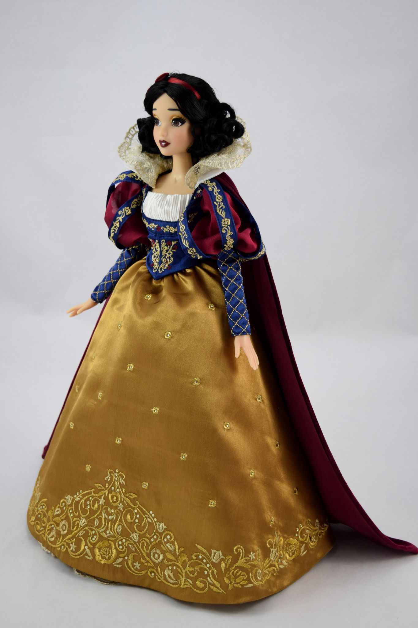 2017 D23 Snow White Limited Edition 17 Inch Doll Disney Photo By
