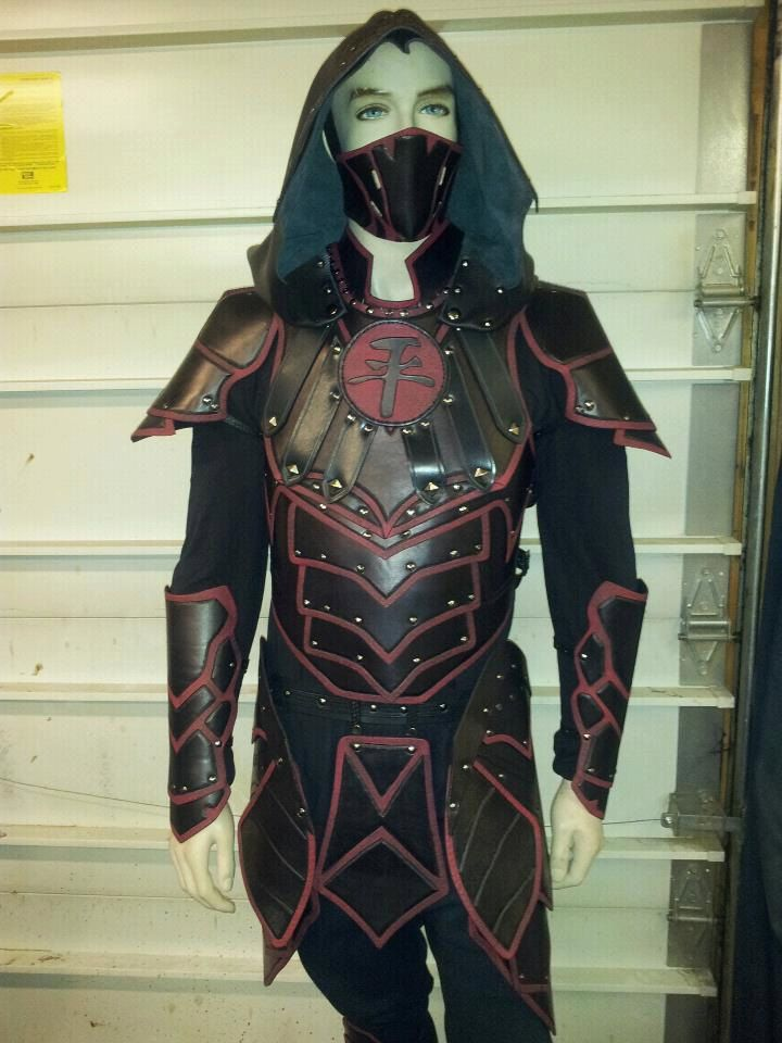 Dragon Scale Armor, Leather Bracers Set, LARP costume, Ren Fair Armor, Dragon Knight, Custom Color, Carved Leather Armor, Cosplay Costume
