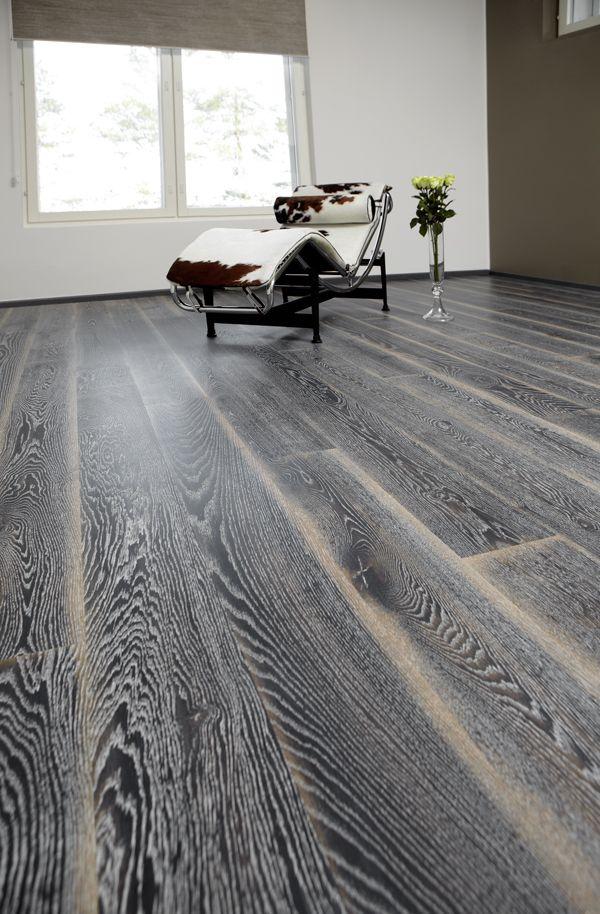 Karelia oak stonewashed black fade silverwood flooring for Hardwood floors toronto