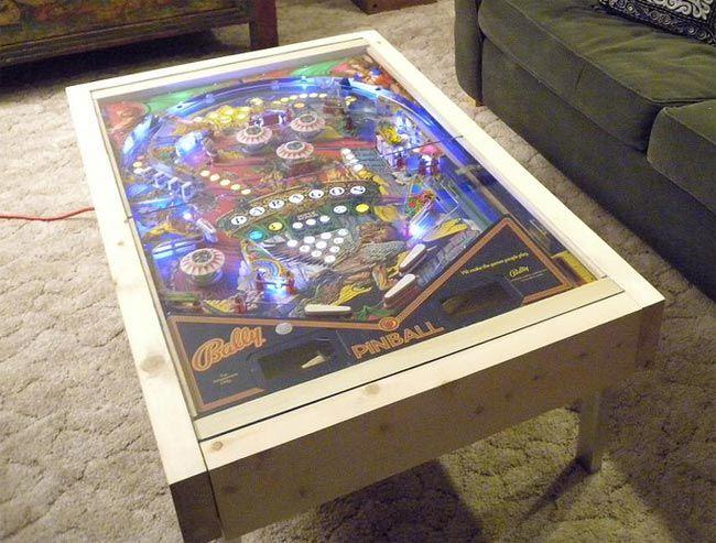 Fr Un Flipper Dans Une Table Basse Bricolage Table Basse Idee Deco Recyclage Design De Table