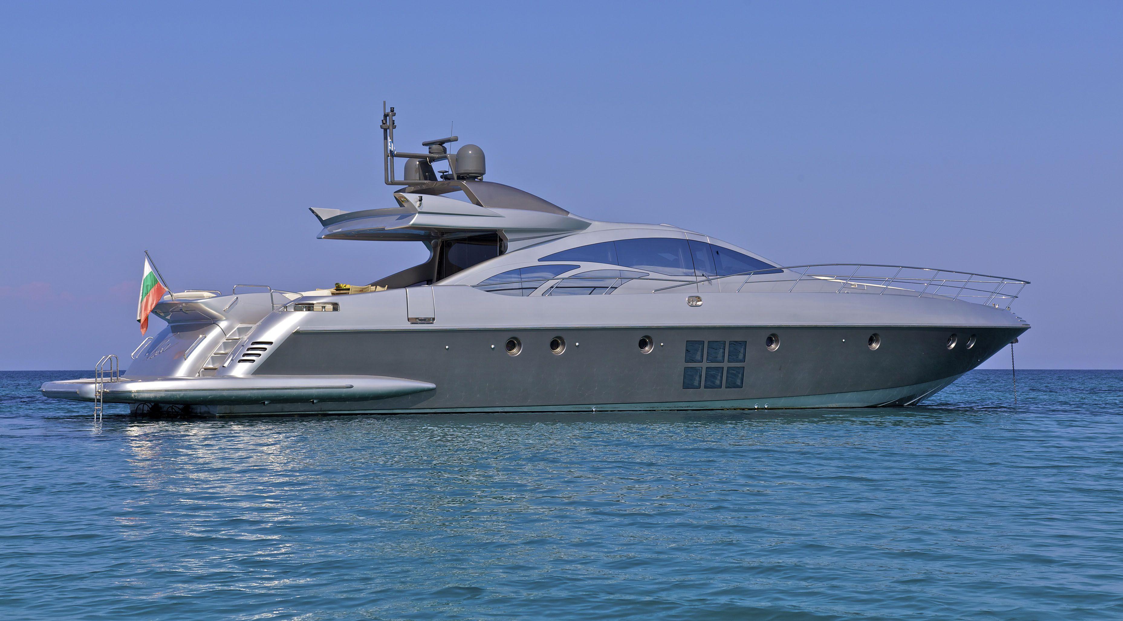 Azimut 86 motor yacht cruisers pinterest motor yacht for Luxury motor yachts for sale