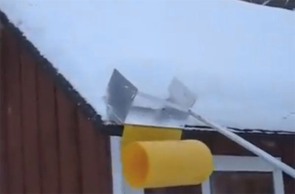 Blizzard Hacks Build A Clever Avalanche Roof Rake Snow