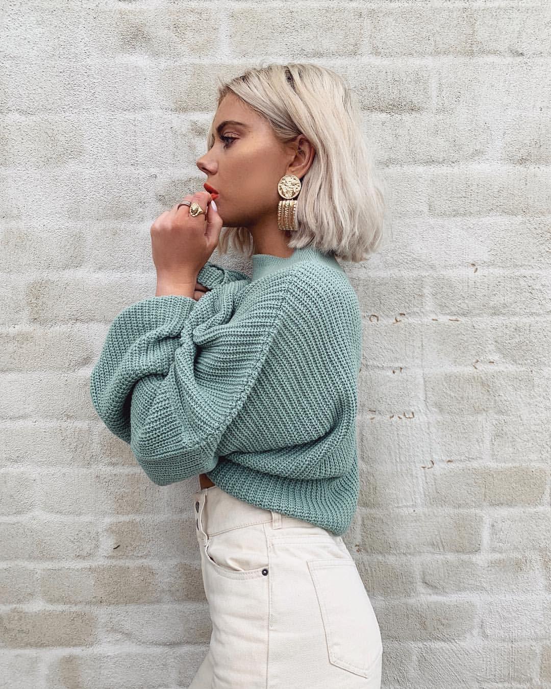 """Laura Jade Stone su Instagram: """"Così ossessionato da questa maglia verde 🙌🏼 proviene dalla mia nuova collezione @inthestyle – Disponibile martedì 💚"""""""