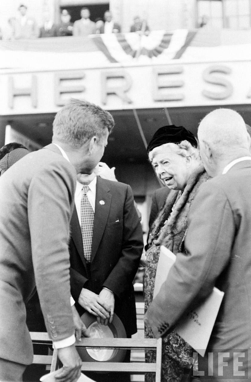 JFK dating historie ukrainske russiske dating-nettsteder