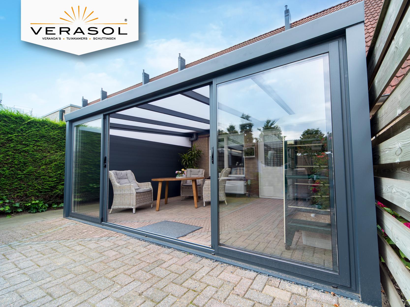De aluminium tuinkamers van Verasol® zijn voorzien van schuifdeuren ...