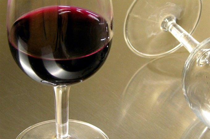 El vino no contiene el alcohol que se especifica en las etiquetas?