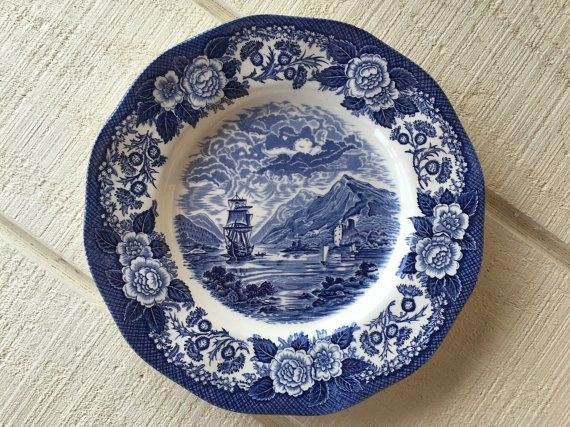 """One 10 1//8"""" Dinner Plate Shakespeare Country Blue Leaves Stratwood Coll."""