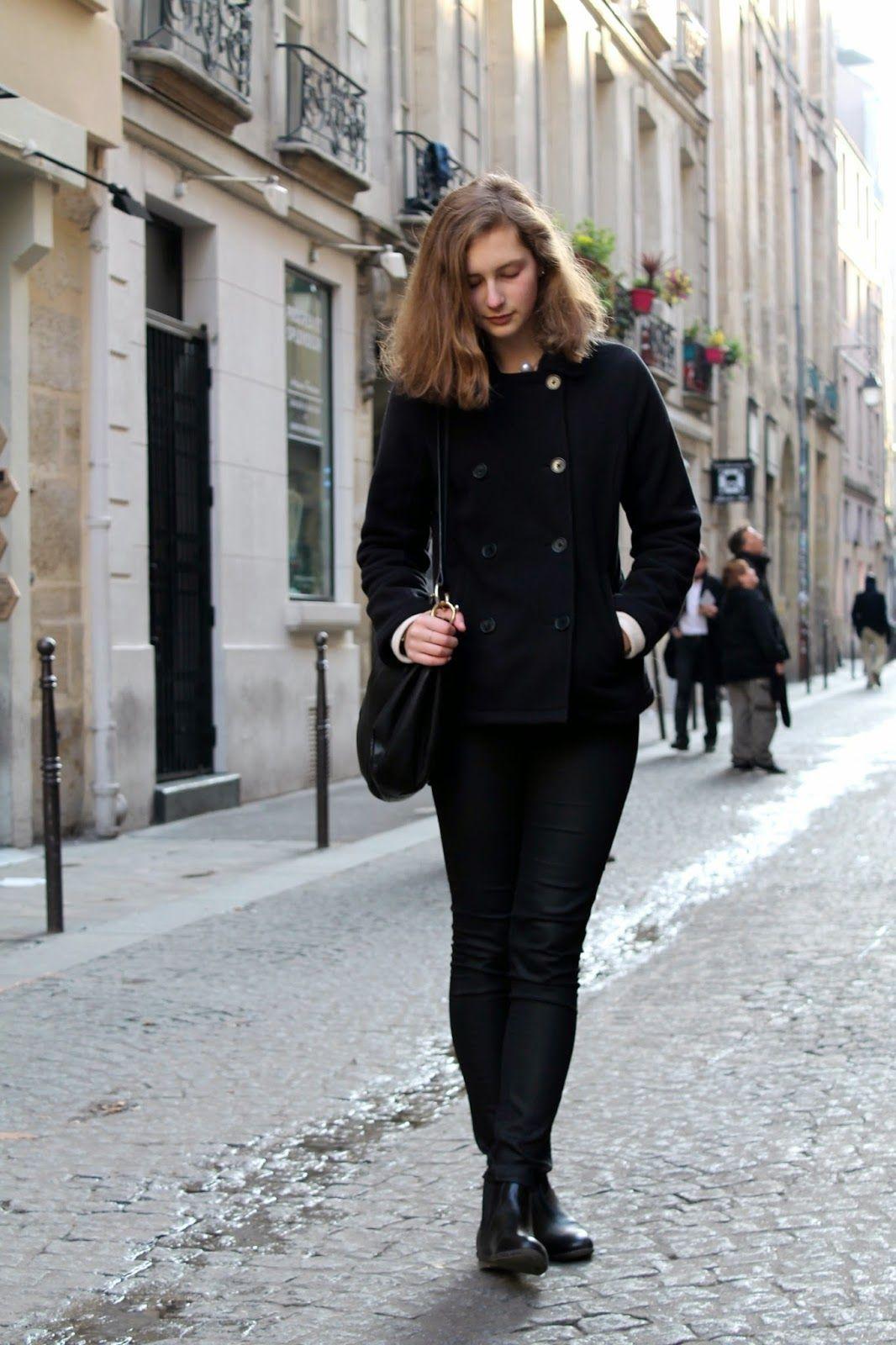 Petite Maison of Fashion : Classique. All black look in Paris, France.