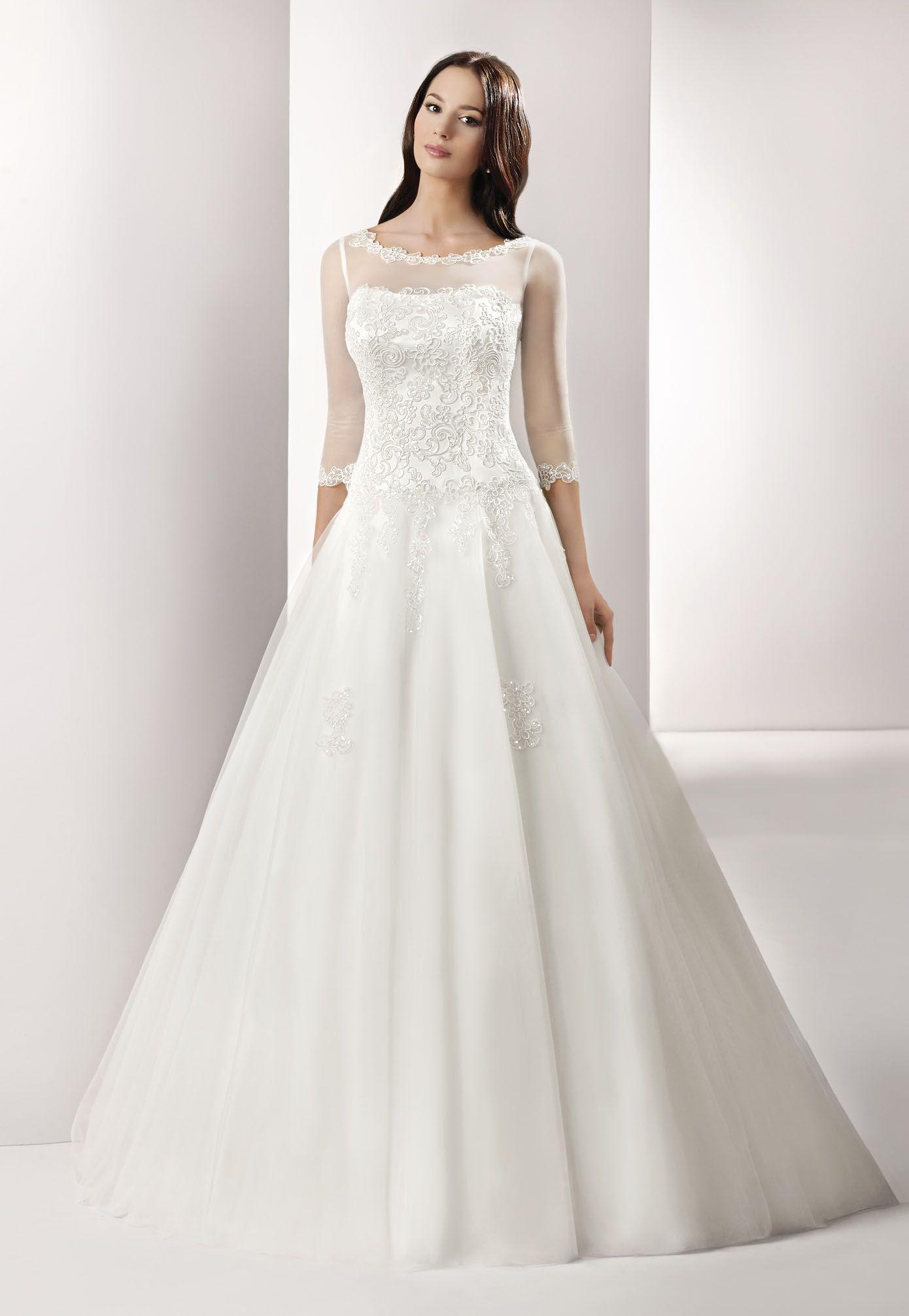 Brautkleid von Mode de Pol mit 3D-Spitze und Tüll-Ärmeln ...