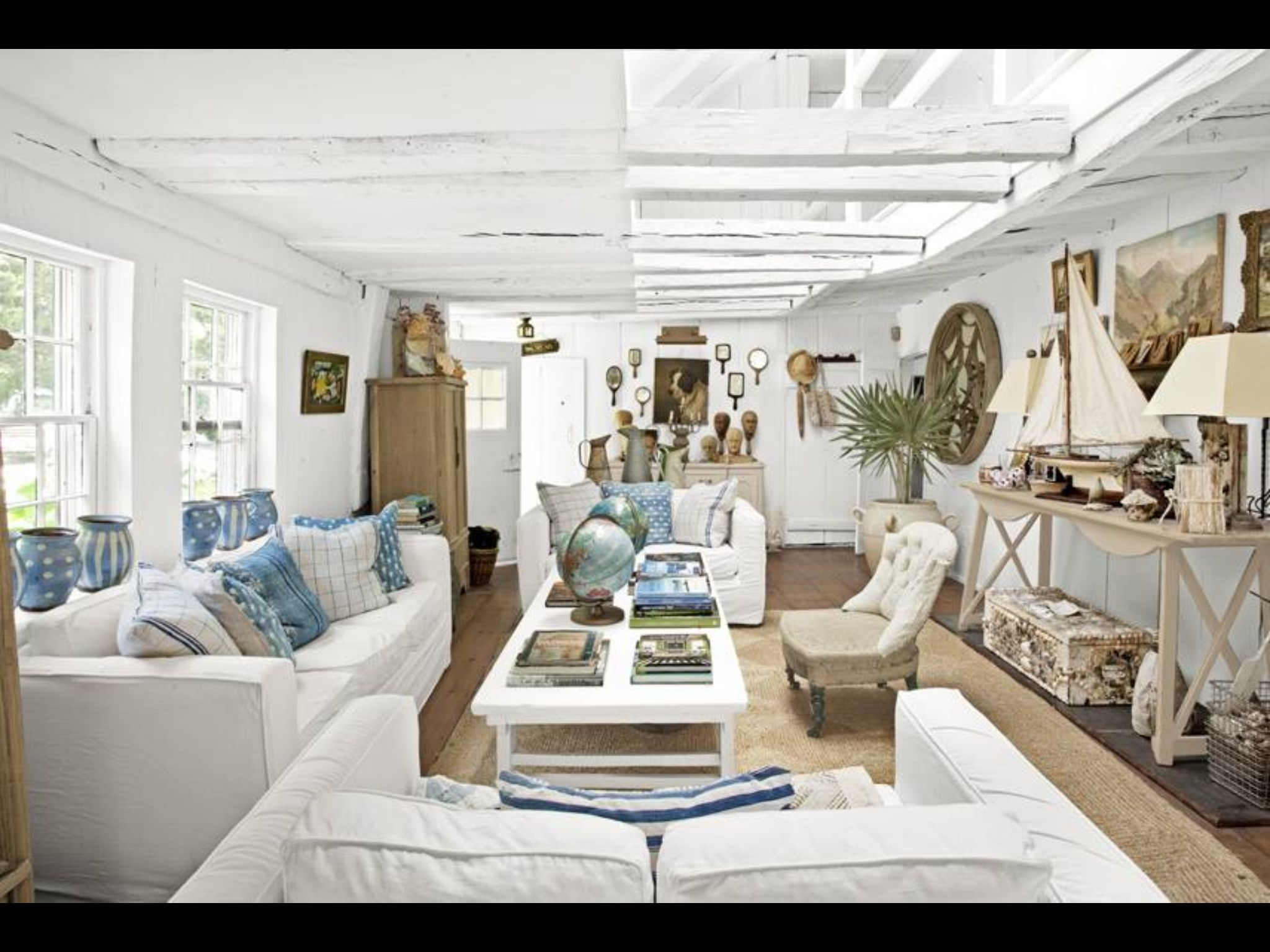 Pin by Libby Greensmith on Sunroom | Pinterest | Beach cottages ...