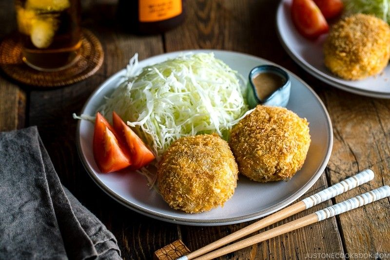Japanese Croquettes Korokke お母さんのコロッケ Just One Cookbook Recipe In 2020 Easy Japanese Recipes Japanese Croquette Creamy Potato