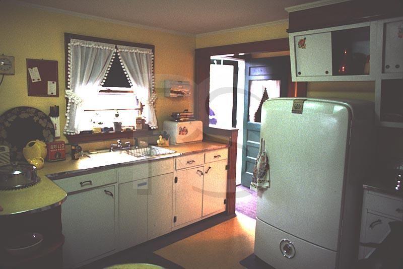 fifties kitchens home design and decor reviews - Retro 50s Home Design