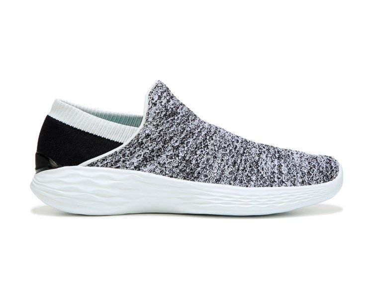 Sneaker from Skechers. Woven mesh upper