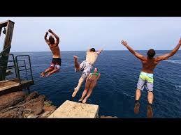 Resultado de imagem para diving people