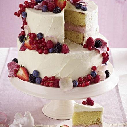Hochzeitstorte Mit Beeren Topping Rezept Backen Wedding Cakes