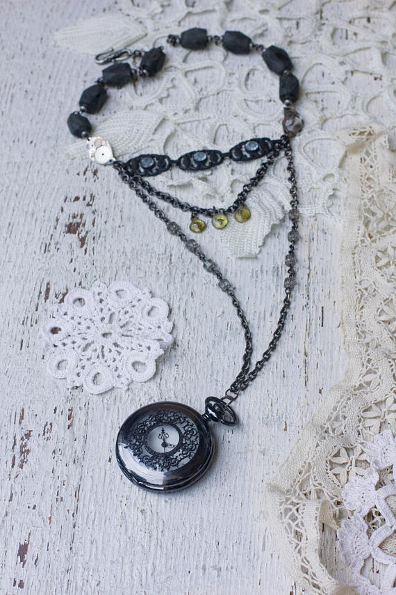 Retro Watch Pendant Necklace, Old Vintage Jewelry, Womens Dainty Watch Parts Necklace Gothic Jewelry Long Black Necklace, Vintage Assemblage