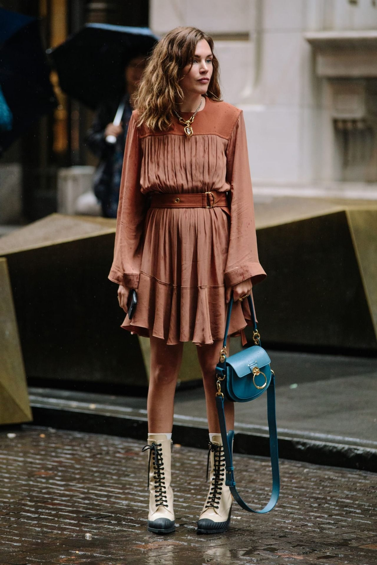 pictures 15 Spring Street Style Outfits From New York: Slip-On Sneakers, Faded Denim,More
