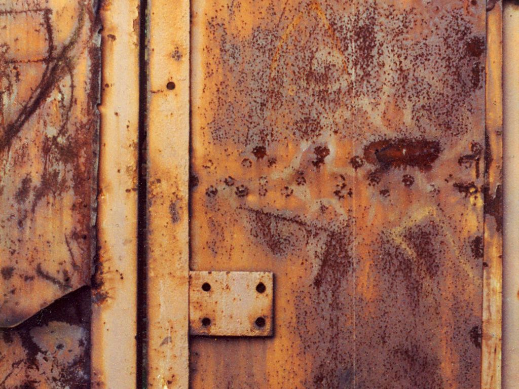 Rusty Door photography architecture rusty door | doors | windows | pinterest