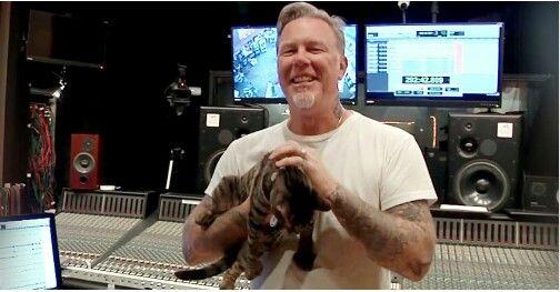 James Hetfield, Amante De Los Perros Y De Los Gatos