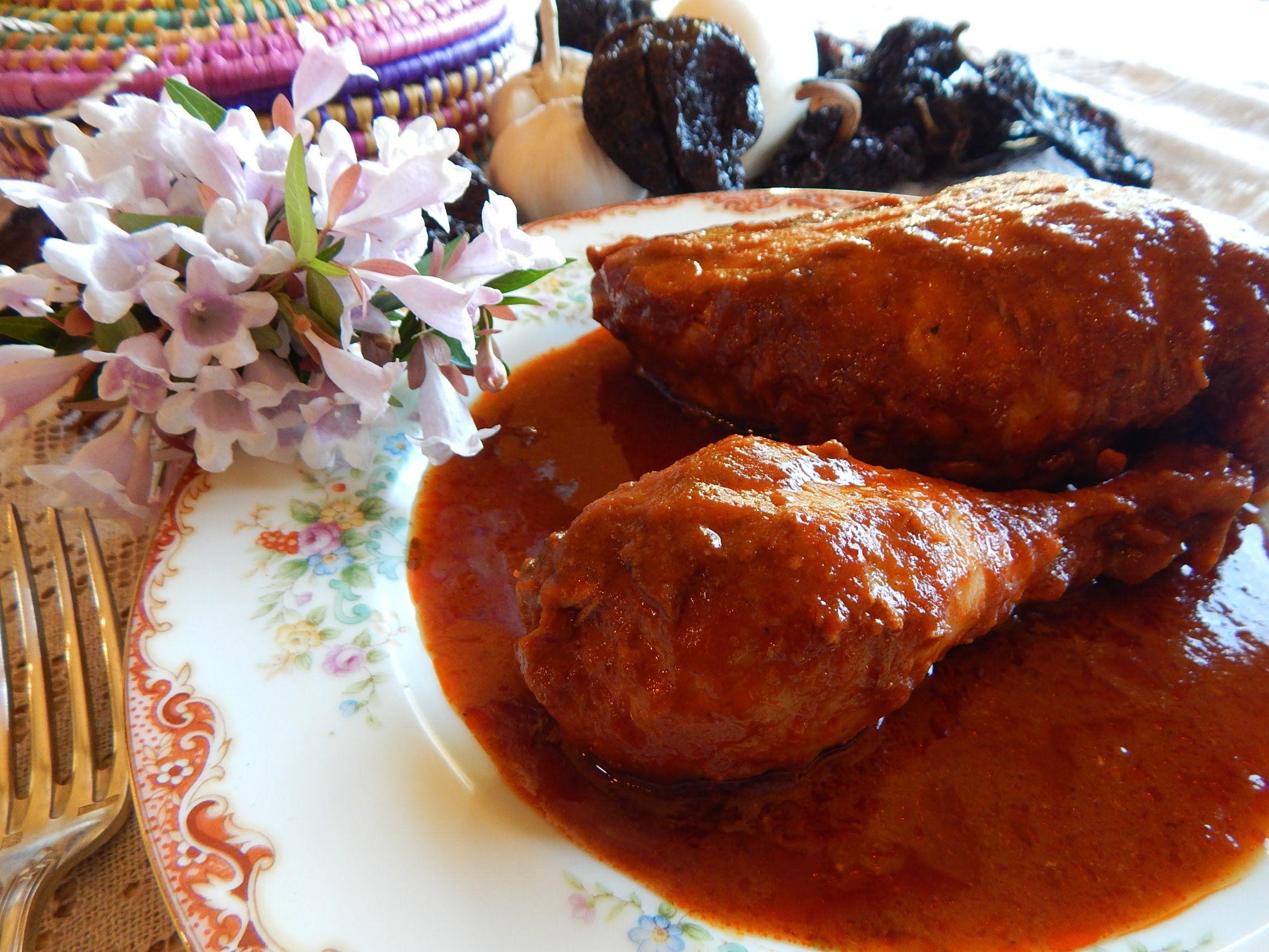 receta completa y tcnicas pasoapaso para preparar pollo enchilado un platillo clsico de jauja cocina