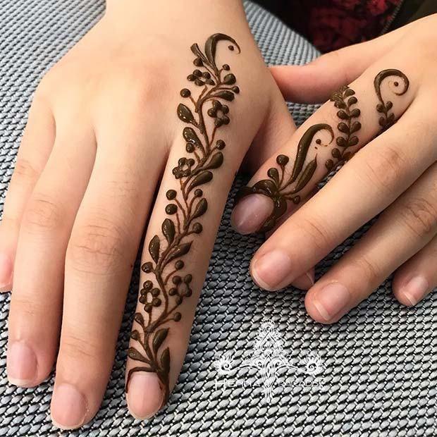 Simple Henna Designs That Are Easy to Draw is part of Henna designs easy, Indian henna designs, Henna designs, Simple henna, White henna designs, Indian henna - Check out these 10 henna designs that are easy to draw; from Stay Glam Henna or mehndi has been used to decorate the body throughout history  It has been dated back to Ancient Egypt and is still popular all over the world today  Henna is usually added to the hands and feet and it is [   ]