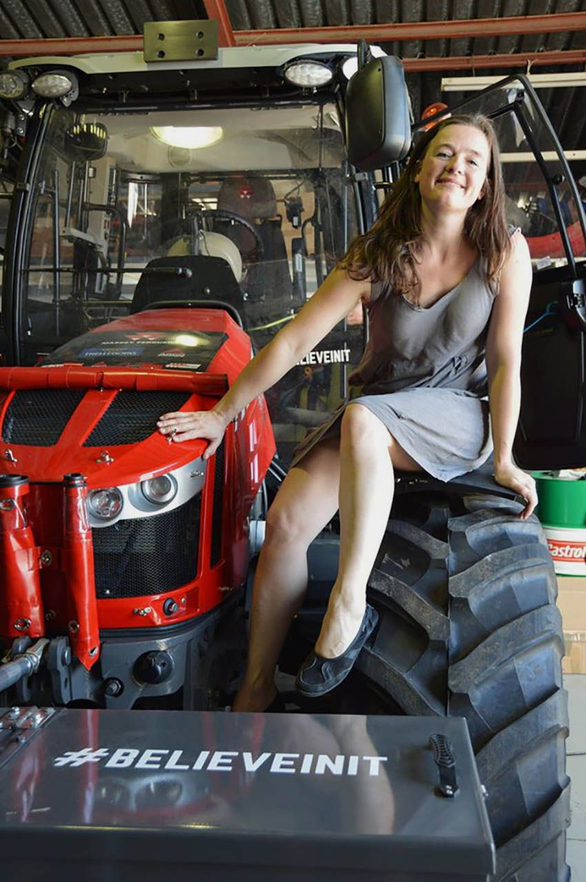 Hot hot girls with tractors — 11
