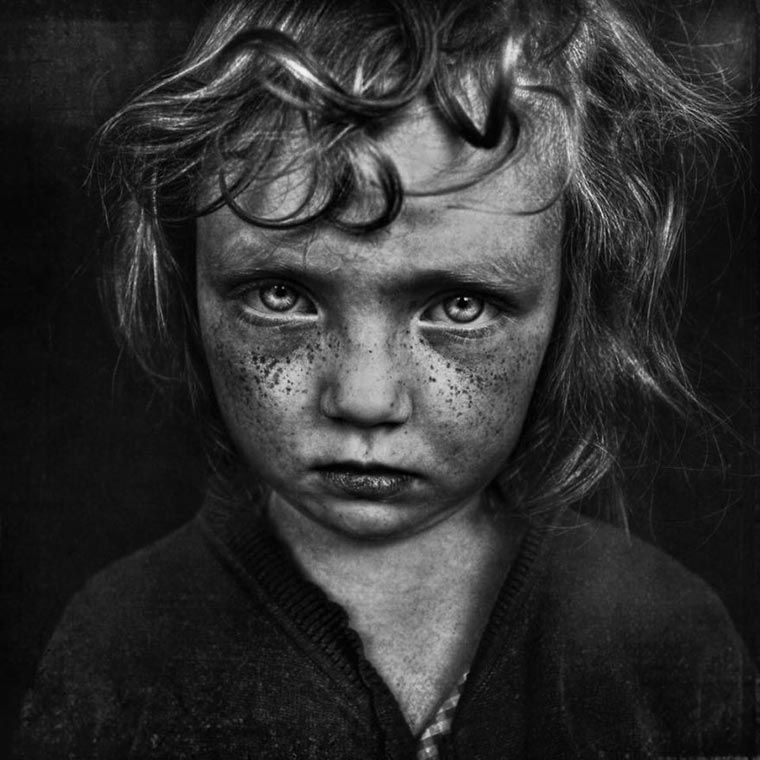 Photography · le black and white child photo contest