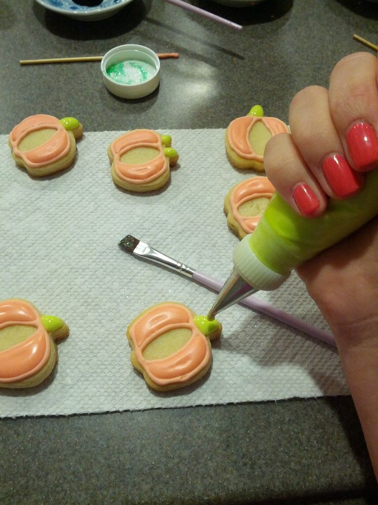 decorating cookies with royal icing decorating sugar cookies with - halloween pumpkin cookies decorating