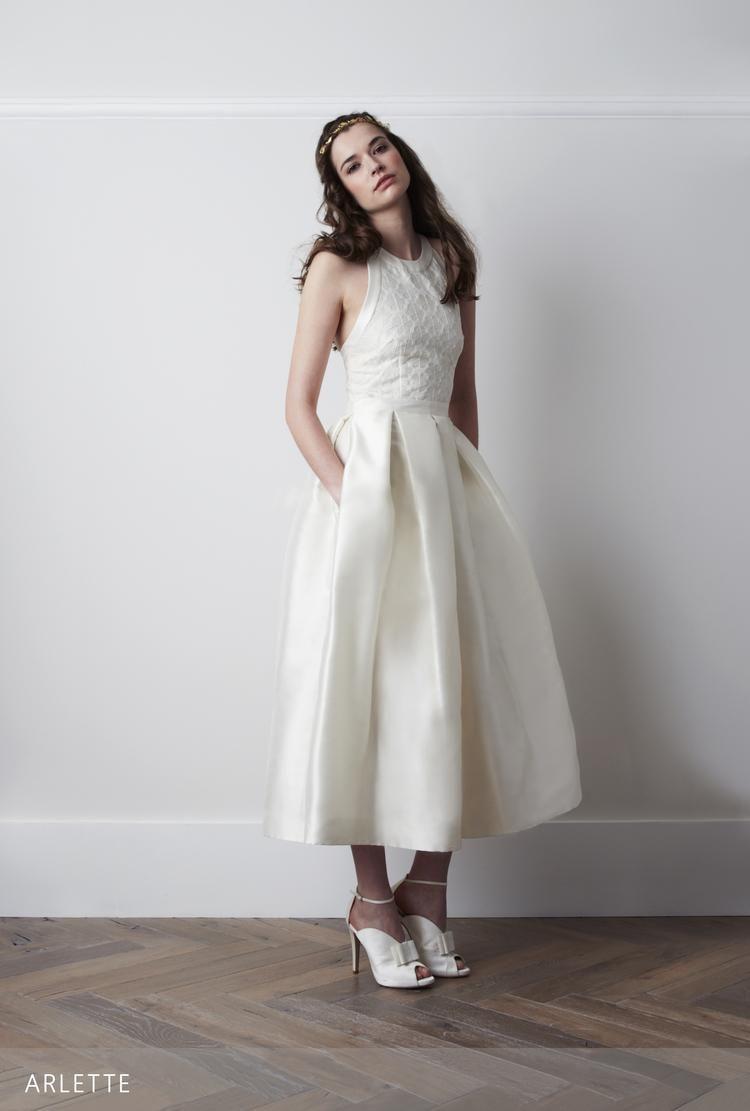 Vintage tea length wedding dresses backless jewel neck lace top