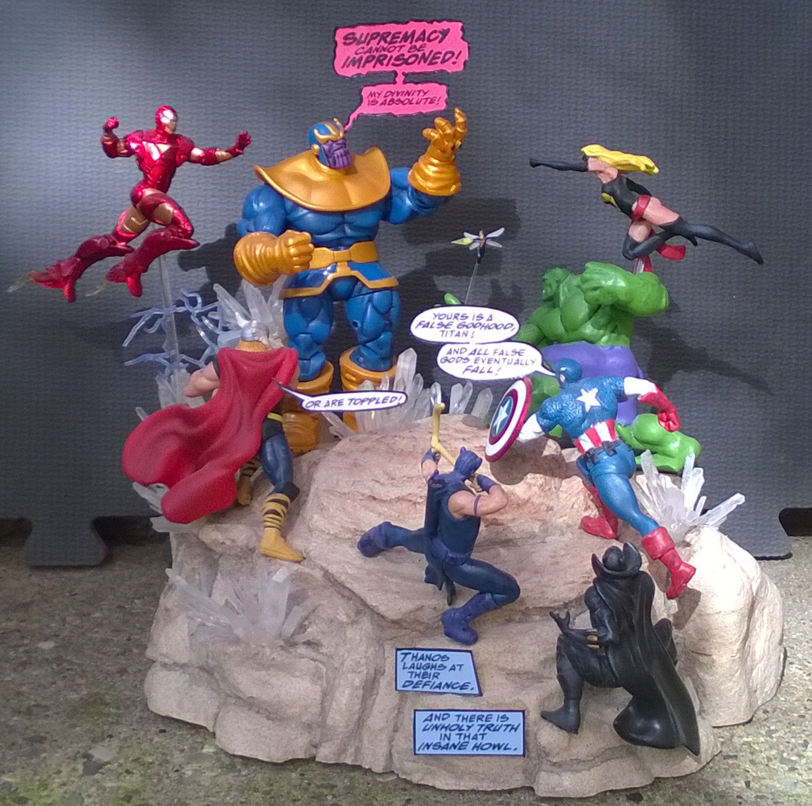 Thanos and the Infinity Gauntlet versus the Avengers diorama made